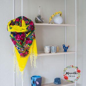 mariochka-foulard jaune
